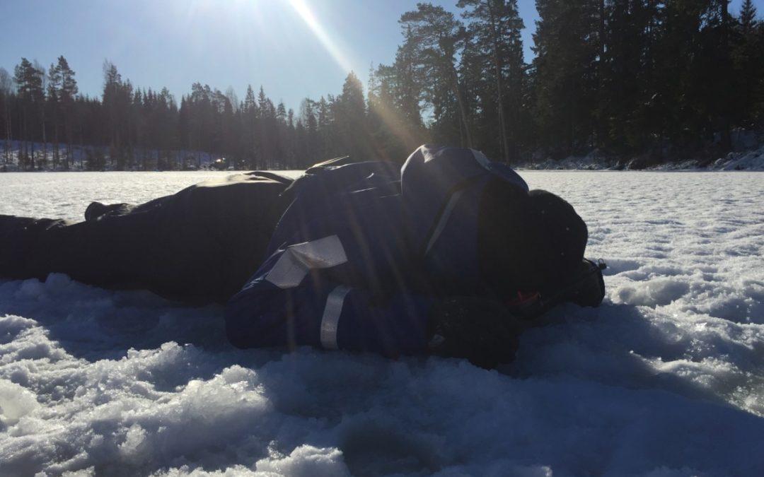 YH-eleverna prövar sina kunskaper inom ismete och avancerat pimpelfiske